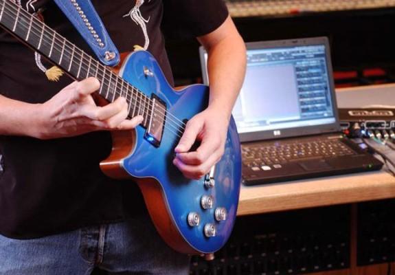 звук гитары и электрогитары в студии